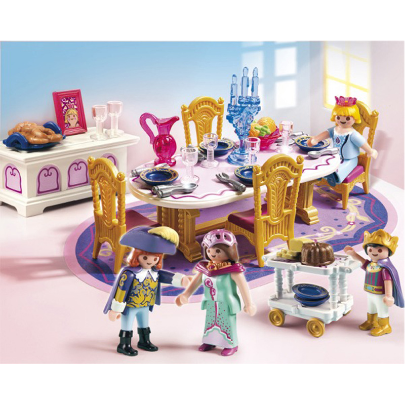 Royal dining room from playmobil wwsm for Salle a manger playmobil 5145